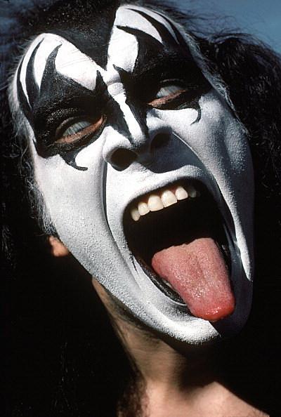 Kiss Visits Cadillac, MI And Plays High School
